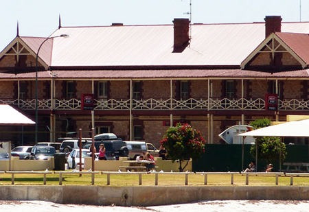 Tumby Bay Hotel And Seafront Apartments - Grafton Accommodation