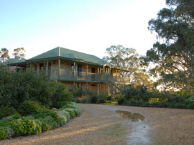 Lindsay House - Grafton Accommodation