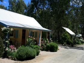 Riesling Trail Cottages - Grafton Accommodation