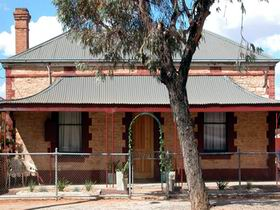 Meaney's Rest - Grafton Accommodation