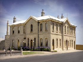 The Customs House - Grafton Accommodation