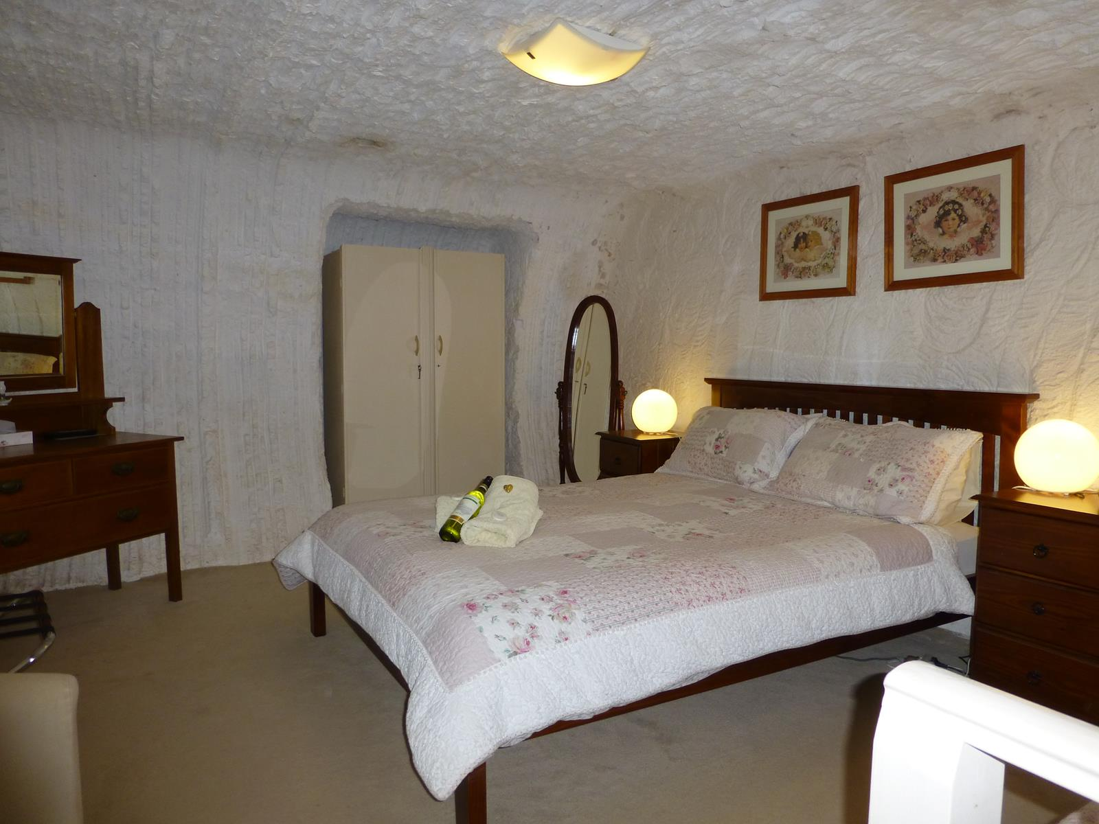 Underground Bed and Breakfast - Grafton Accommodation