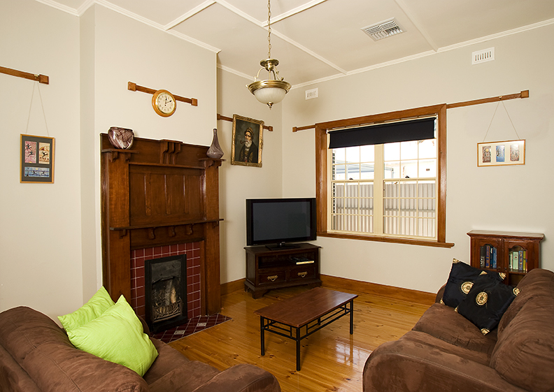 Semaphore Beach House - Grafton Accommodation