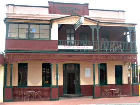 Central Hotel Zeehan - Grafton Accommodation