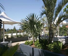 Cote D Azur - Grafton Accommodation