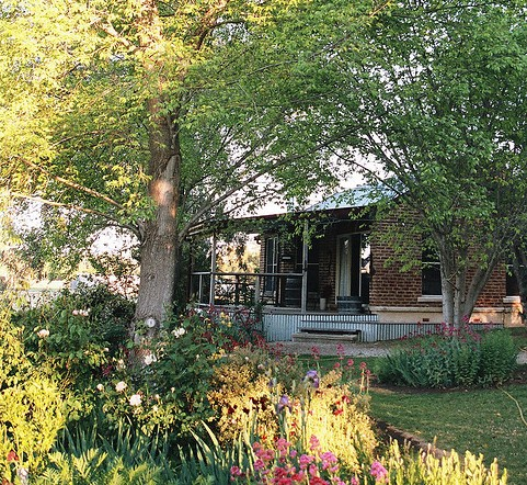 Amazing Country Escapes - Evanslea By The River - Grafton Accommodation