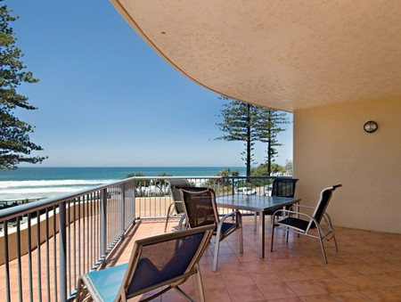 Coolum Baywatch Resort - Grafton Accommodation