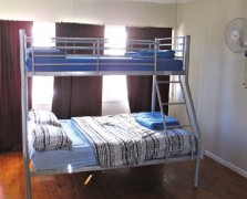 Surf N Sun Beachside Backpackers - Grafton Accommodation