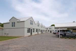 Hello Adelaide Motel  Apartments - Grafton Accommodation