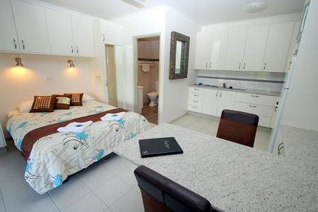 Coral Point Lodge - Grafton Accommodation