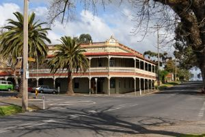 The Midland Hotel Castlemaine - Grafton Accommodation