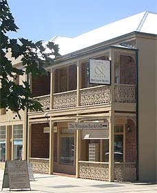 Cobb  Co Court Boutique Hotel - Grafton Accommodation