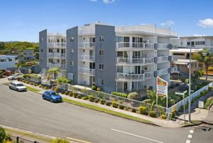 Sandy Shores Luxury Holiday Units - Grafton Accommodation