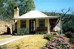 Price Morris Cottage - Grafton Accommodation