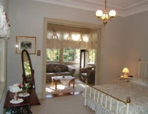 Whispering Pines - Grafton Accommodation