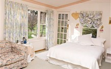 The Old School Country Retreat - - Grafton Accommodation