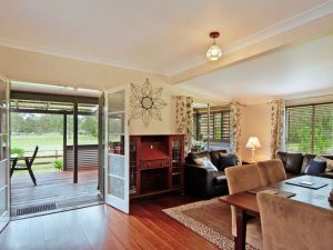 Woollamia Farm Cottage Accommodation - Grafton Accommodation