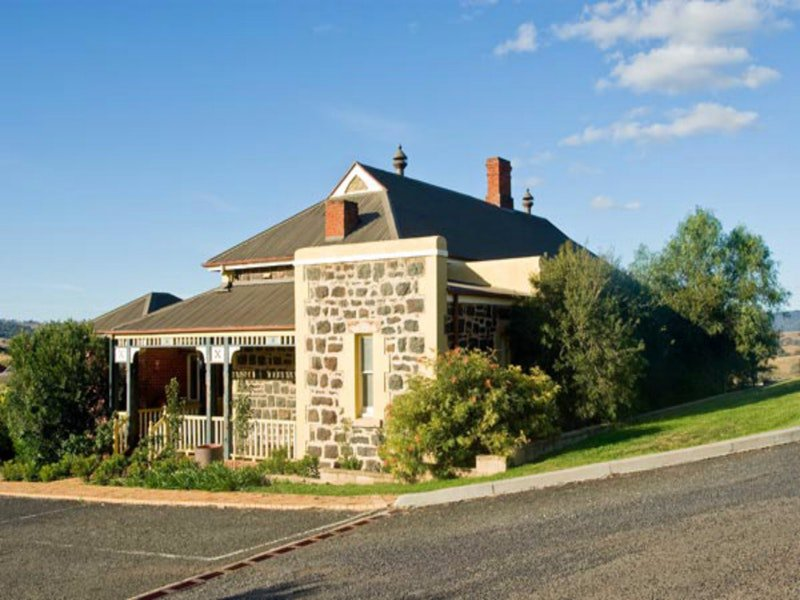 Hermitage Hill Resort - Grafton Accommodation