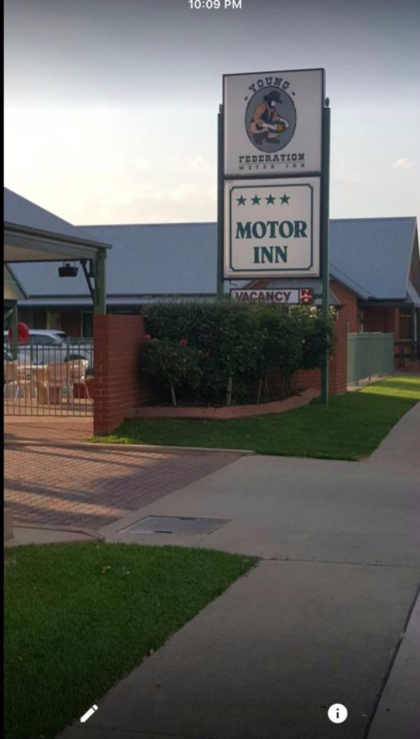 Federation Motor Inn Young - Grafton Accommodation