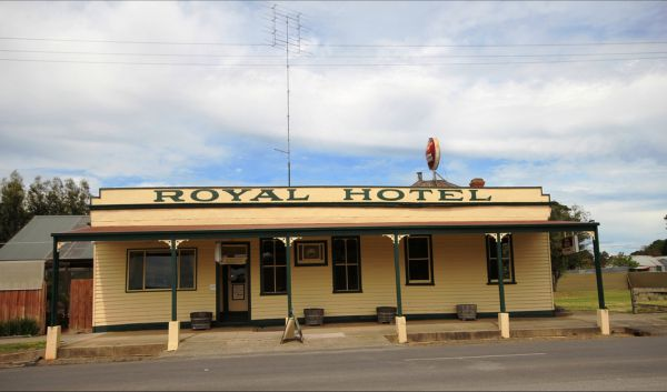 Royal Hotel Snake Valley - Grafton Accommodation