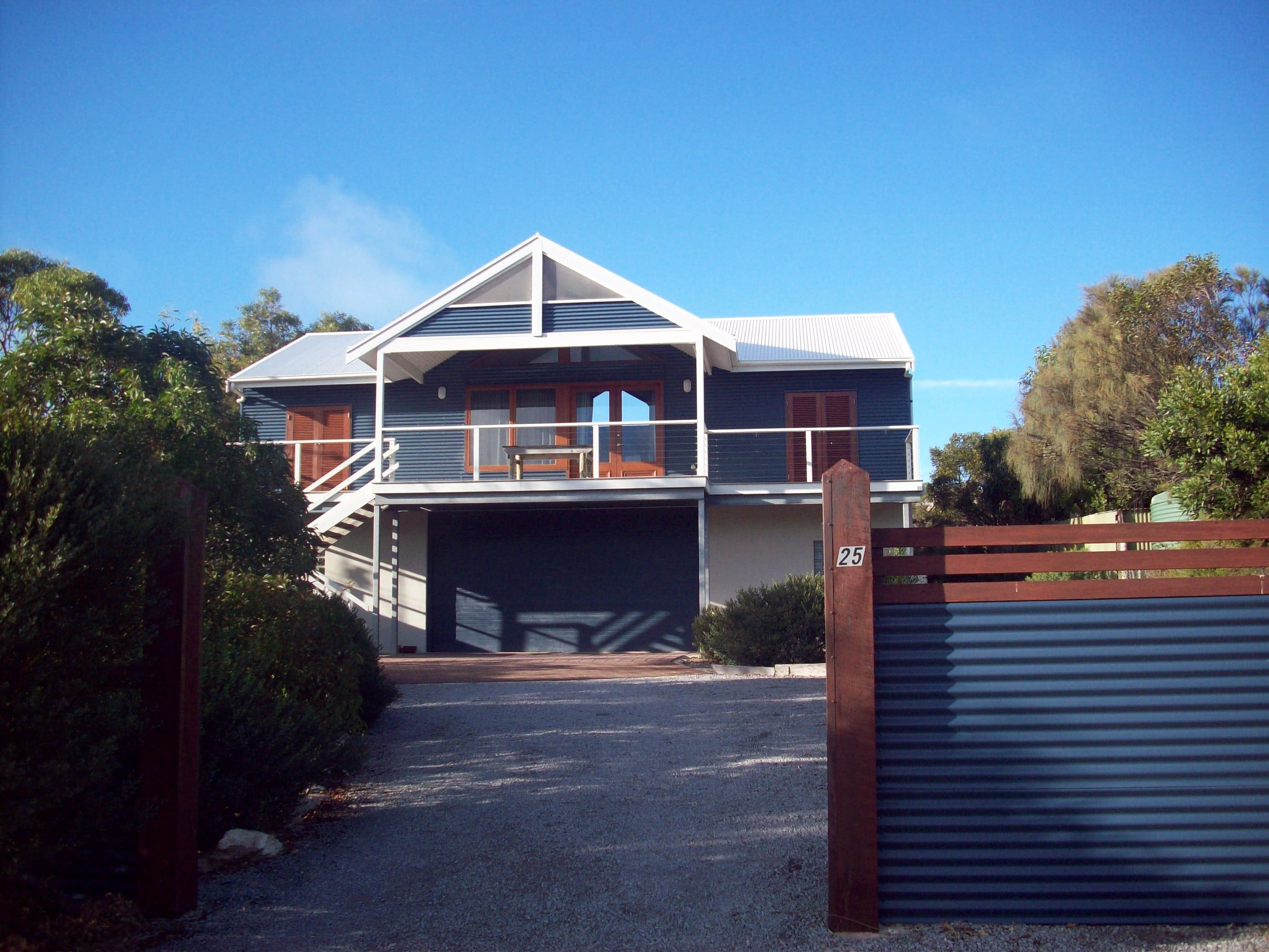 Top Deck Marion Bay - Grafton Accommodation