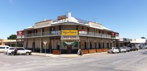 Minlaton Hotel - Grafton Accommodation