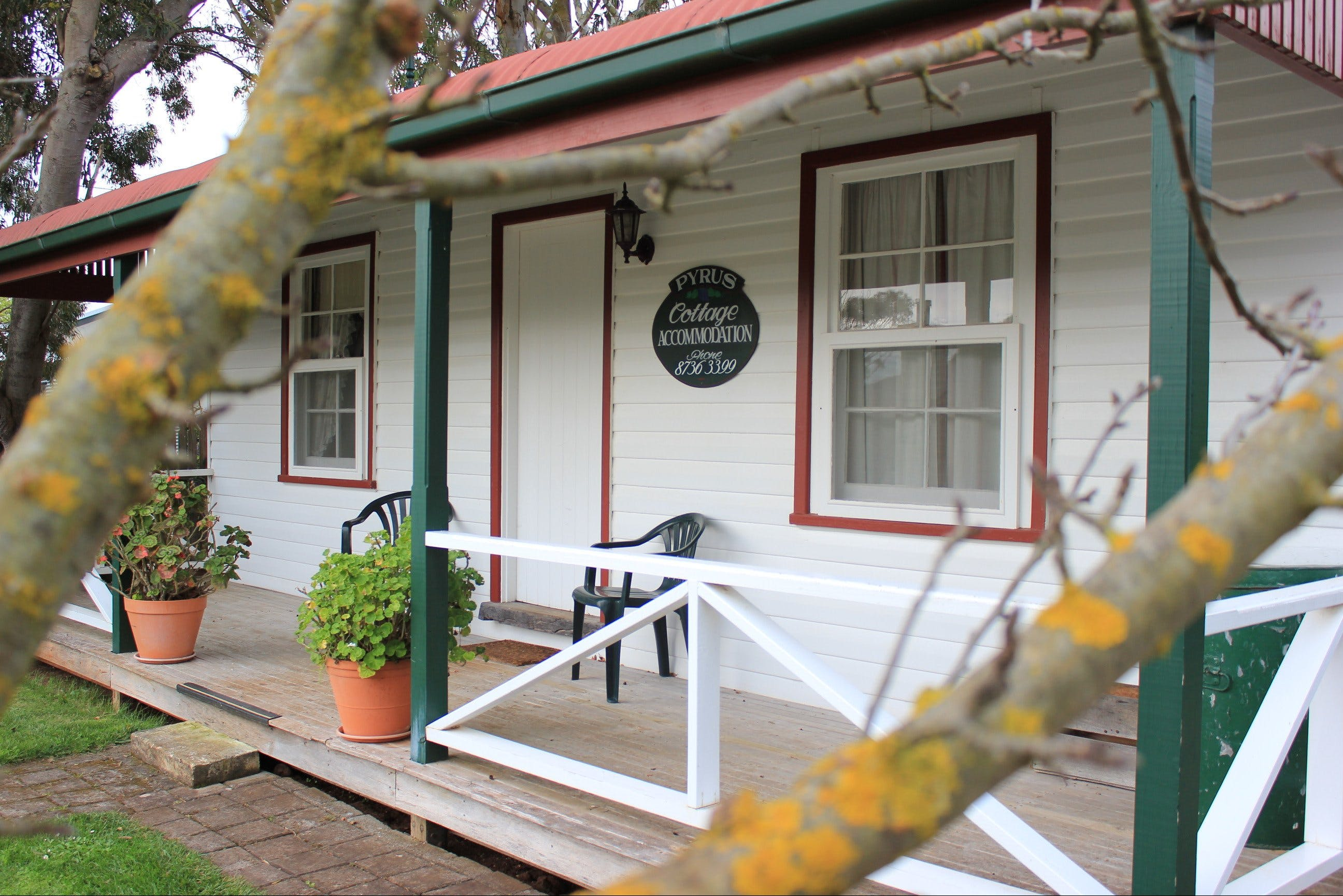 Coonawarra's Pyrus Cottage - Grafton Accommodation