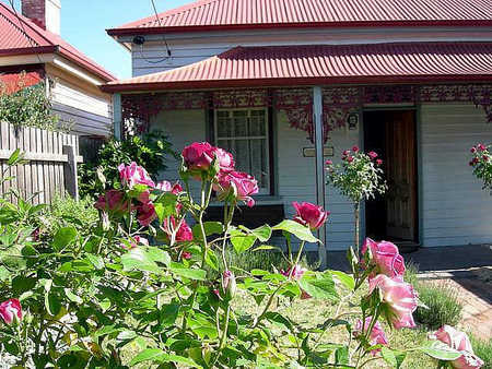 Airleigh - Rose Cottage - Grafton Accommodation
