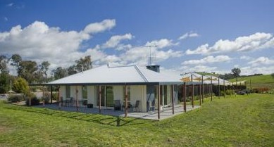 Country Guesthouse Schonegg - Grafton Accommodation