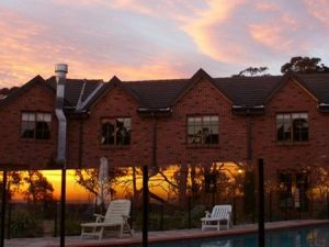 The Hideaway Retreat - Grafton Accommodation