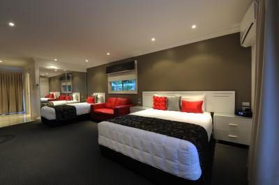 The Gateway Village Holiday Park - Grafton Accommodation