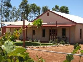 919 Wines - Grafton Accommodation