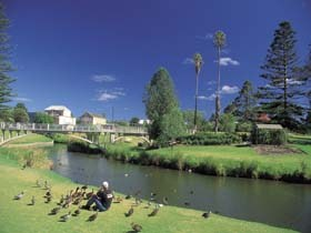 Strathalbyn Market - Grafton Accommodation