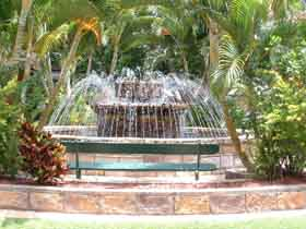 Bauer and Wiles Memorial Fountain - Grafton Accommodation
