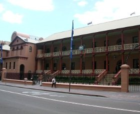 Parliament House - Grafton Accommodation