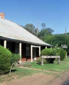 Lion of Waterloo Tavern - Grafton Accommodation