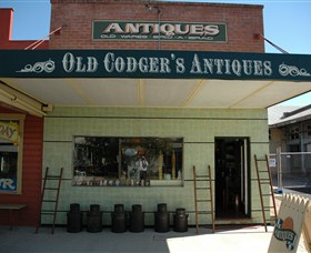 Old Codgers Antiques - Grafton Accommodation