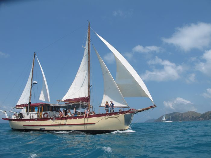 Adventure Cruise Dive and Outer Reef - Whitsundays Sailing Adventures - Grafton Accommodation