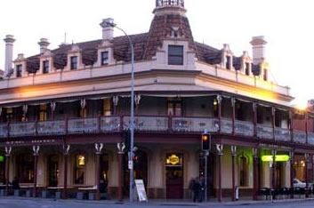 The Stag Hotel - Grafton Accommodation