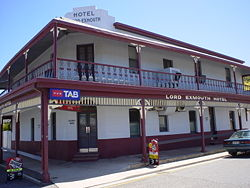 Lord Exmouth Hotel - Grafton Accommodation