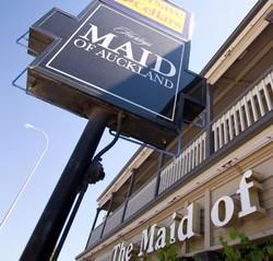 Maid Of Auckland Hotel - Grafton Accommodation