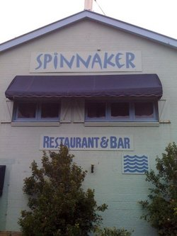 Spinnaker Restaurant and Bar - Grafton Accommodation