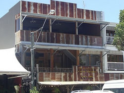 Ironbar Saloon - Grafton Accommodation