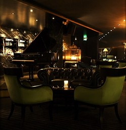 Trademark Hotel Lounge Bar and Piano Room - Grafton Accommodation