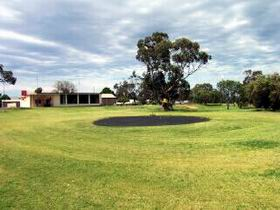 Cleve Golf Club - Grafton Accommodation