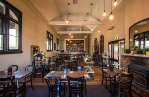 Union Bank Wine Bar - Grafton Accommodation