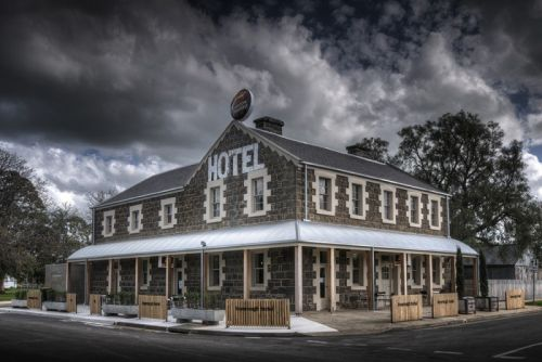 Inverleigh Hotel - Grafton Accommodation