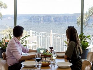 Christmas Day Lunch at The Lookout Echo Point - Grafton Accommodation