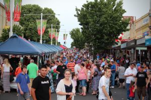 Cowra Christmas Street Festival - Grafton Accommodation