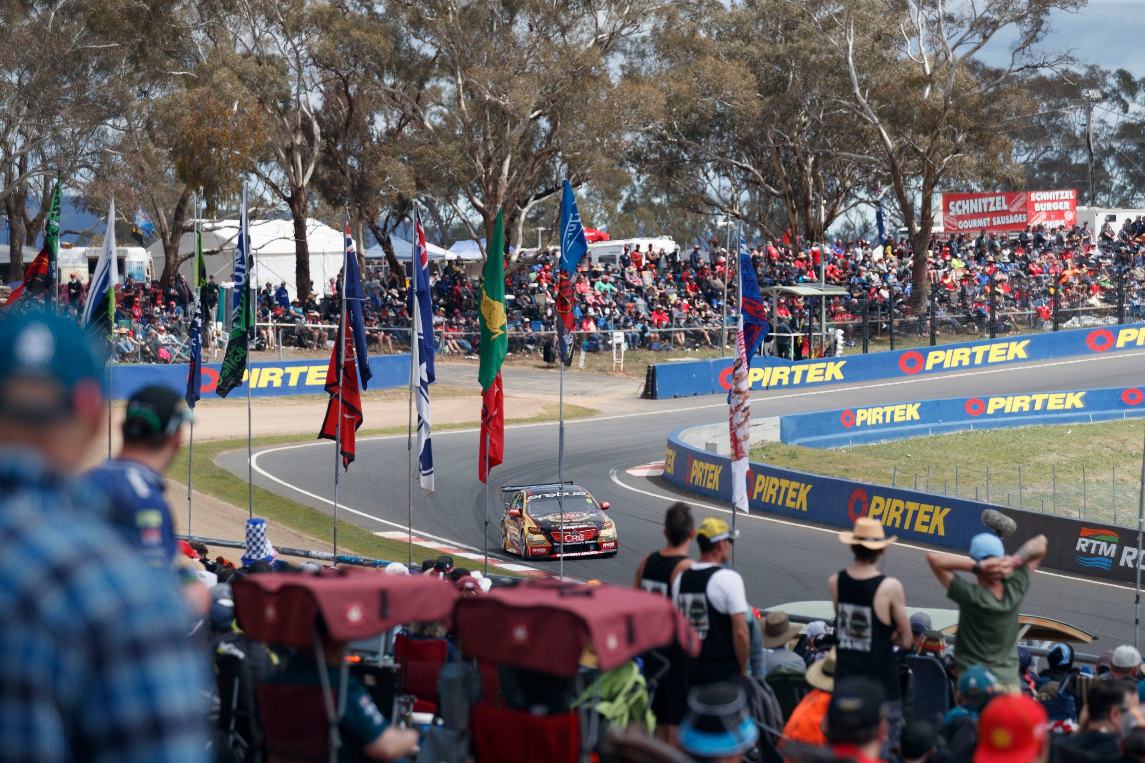 Supercars Supercheap Auto Bathurst 1000 - Grafton Accommodation